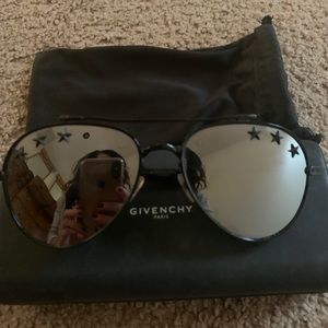 💫GIVENCHY Mirrored sunglasses with stars💫